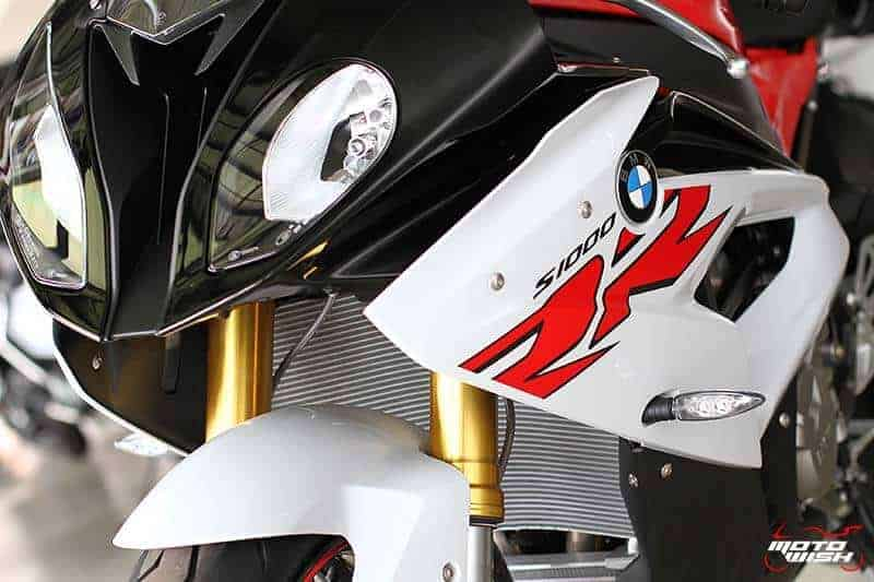 MotoWish-BMW-S1000RR-2017-Price-Color-Spec-2