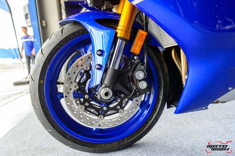 MotoWish-Review-Yamaha-YZF-R6-2017-12