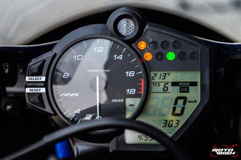 MotoWish-Review-Yamaha-YZF-R6-2017-17