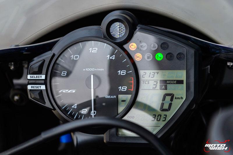 MotoWish-Review-Yamaha-YZF-R6-2017-21