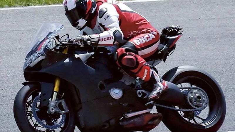 หลุดให้เห็นเต็มๆ ว่าที่ Ducati เครื่องยนต์ V4 ขณะทดสอบในสนาม | MOTOWISH 56