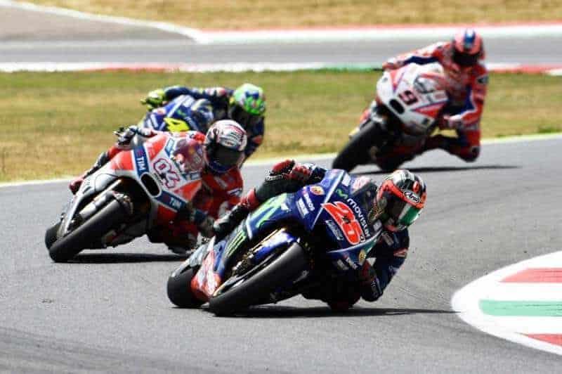 ย้อนหลังการแข่งขัน MotoGP 2017 สนามที่ 6 ItaliaGP โคตะระอภิมหามันส์สุดติ่ง 340 กว่า กม./ชม. | MOTOWISH 27