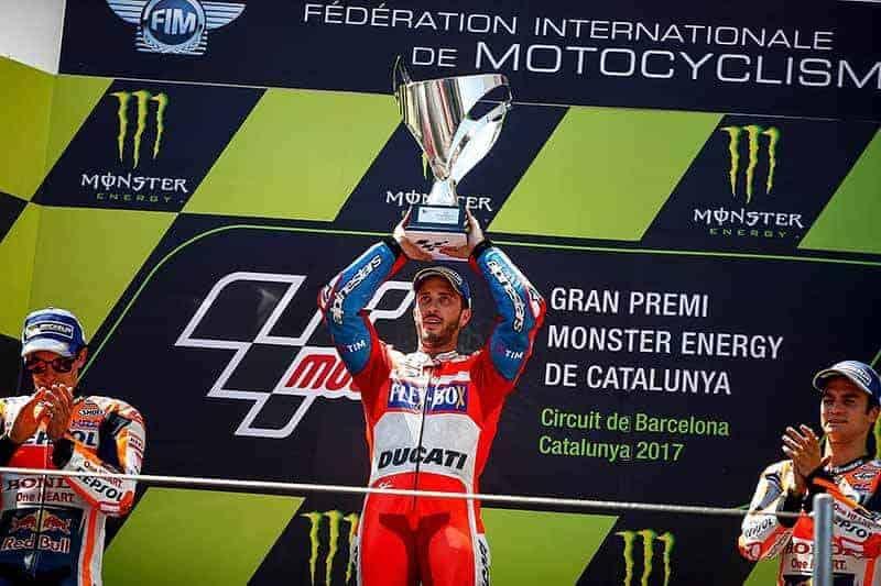 MotoWish MotoGP 2017 World Standing Race - สรุปคะแนนสะสม MotoGP 2017 หลังจบสนามที่ 7 เกมส์เริ่มเปลี่ยนมีสิทธิ์ลุ้นแชมป์ยันท้ายฤดูกาล - จากการแข่งขัน MotoGP 2017 ในสองสนามที่ผ่านมา มีสัญญาณบางอย่างถึงการเปลี่ยนแปลงของนักแข่งนอกสายตา รวมถึงนักแข่งกลุ่มกลางๆ และเด็กใหม่ที่กำลังฟอร์มสด ขึ้นมาวาดลวดลายโชว์ลีลาออกจอให้แฟนๆได้งงกันไปดิ