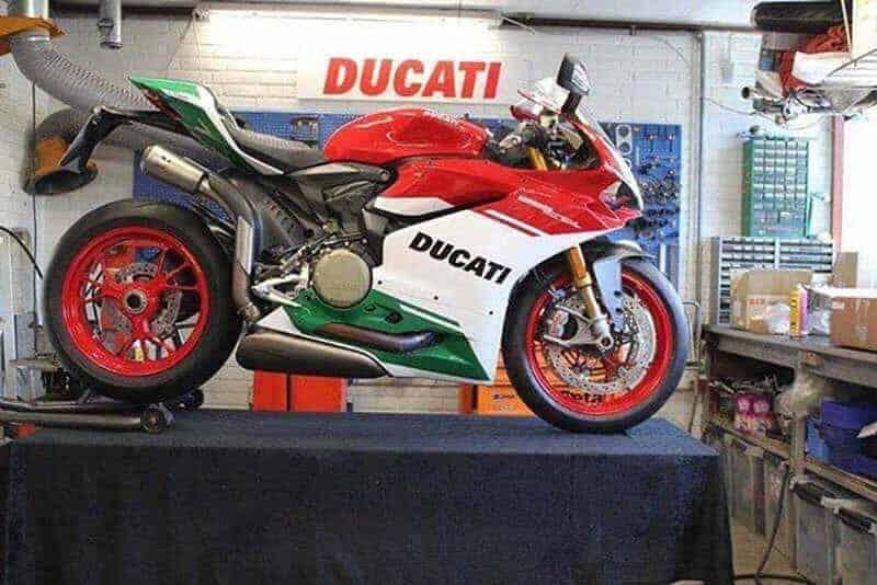 ชมภาพหลุดตัวเป็นๆ Ducati 1299 Panigale R Final Edition ก่อนเปิดตัวจริงที่สนาม Laguna Seca สหรัฐอเมริกา | MOTOWISH 91