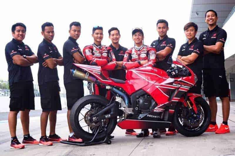 MotoWish-A.P.Honda-Racing-Thailand-2017-Team-Suzuka-4-Hours