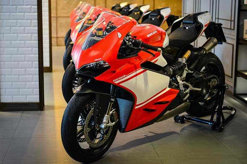 5 เศรษฐี ผู้ครอบครองสุดยอดรถซุปเปอร์ไบค์ Ducati 1299 Superleggera 5 คัน ในประเทศไทย | MOTOWISH 61