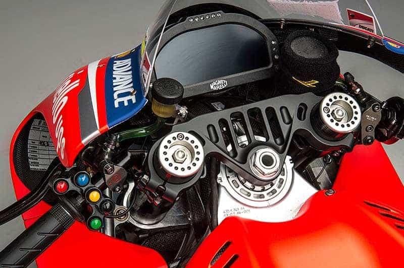 Scott Redding พาชมการใช้งานปุ่มสั่งการ Ducati Desmosedici ตัวแรง | MOTOWISH 151