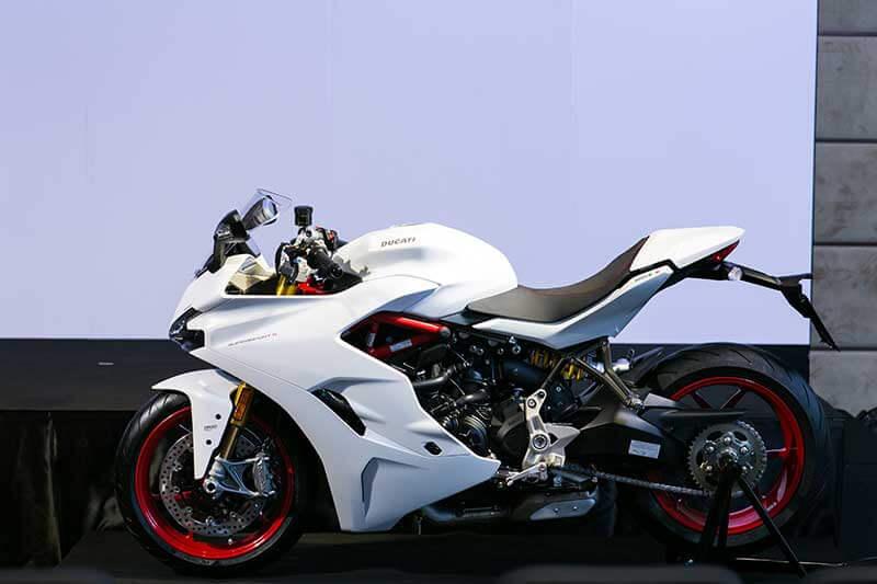 Ducati-SuperSport-4