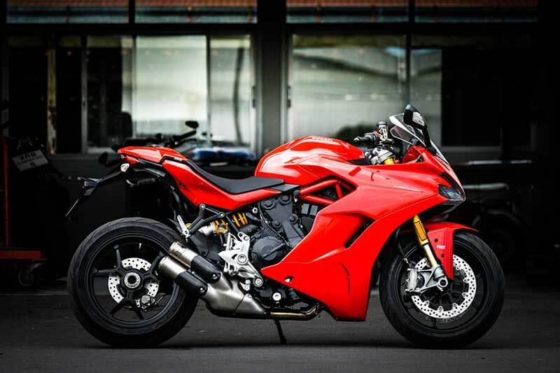 Ducati-SuperSport-S-Performance-1