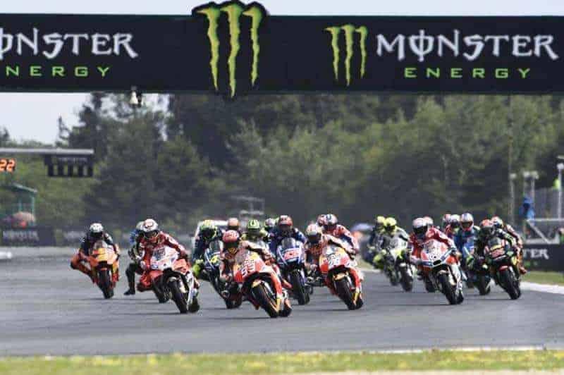 ย้อนหลังการแข่งขัน MotoGP 2017 สนามที่ 10 CzechGP มาเกซ มาเหนือเมฆ กดแชมป์แบบอัจฉริยะ | MOTOWISH 158
