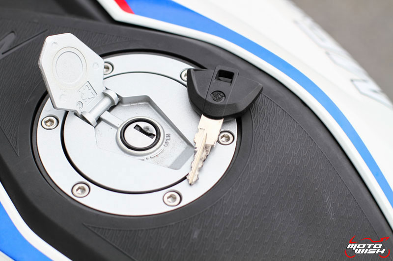 MotoWish-Review-BMW-G310R-2017-19