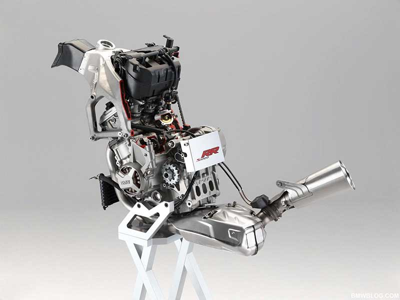 bmw-s1000rr-engine