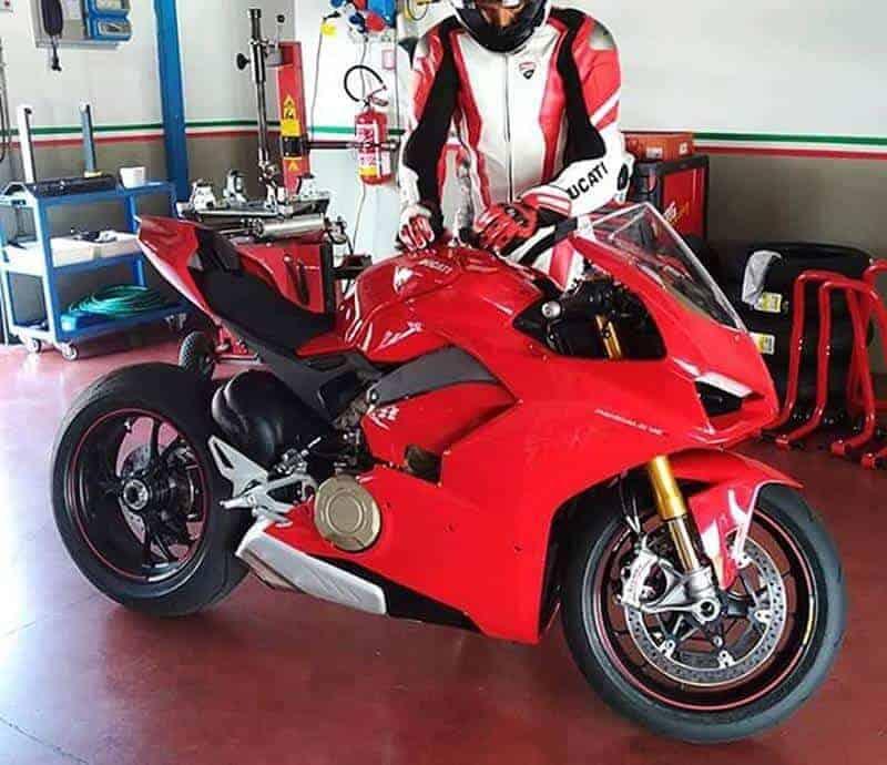 ใช่หรือไม่? เผยให้เห็นเต็มๆ กับว่าที่ Ducati Desmosedici Stradale เครื่อง V4 สุดว๊าวววว | MOTOWISH 159