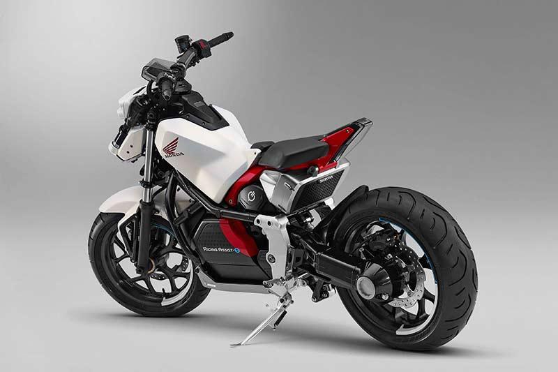 Honda Riding Assist e concept 2017 1 - Honda Riding Assist-e concept รถไฟฟ้าทรงตัวด้วยตัวเอง เตรียมเผยโฉมใน Tokyo Motor Show เดือนหน้า - Honda Riding Assist-e concept รถต้นแบบอีกหนึ่งคันจากค่ายปีกนก ที่จะยกไปแสดงในงาน Tokyo Motor Show ในเดือนตุลาคมที่จะถึงนี้ สำหรับรถรุ่นนี้ทาง Honda ยังไม่ได้พูดถึงการขับขี่