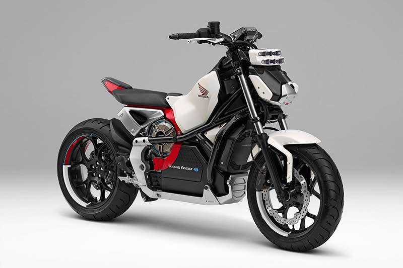 Honda Riding Assist e concept 2017 - Honda Riding Assist-e concept รถไฟฟ้าทรงตัวด้วยตัวเอง เตรียมเผยโฉมใน Tokyo Motor Show เดือนหน้า - Honda Riding Assist-e concept รถต้นแบบอีกหนึ่งคันจากค่ายปีกนก ที่จะยกไปแสดงในงาน Tokyo Motor Show ในเดือนตุลาคมที่จะถึงนี้ สำหรับรถรุ่นนี้ทาง Honda ยังไม่ได้พูดถึงการขับขี่