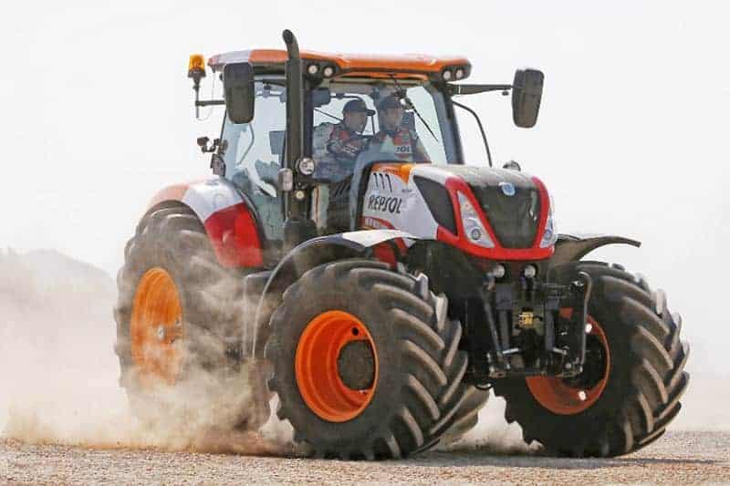 Marquez-Pedrosa-repsol-tractor