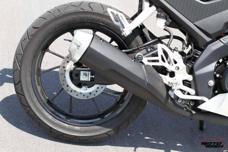 รีวิว All New Yamaha YZF-R15 2017 สปอร์ตตัวแรง 155 cc. ระบบ VVA | MOTOWISH 47