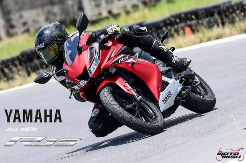 MotoWish Review Yamaha YZF R15 2017 - รีวิว All New Yamaha YZF-R15 2017 สปอร์ตตัวแรง 155 cc. ระบบ VVA - รีวิว All New Yamaha YZF-R15 2017 สปอร์ตตัวแรง 155 cc. ย้อนกลับไปเมื่อตอนที่รถ R15 โมเดลใหม่ มีข่าวหลุดออกมาถึงการเปลี่ยนแปลงระบบเครื่องยนต์ครั้งใหญ่ โดยการเลือกใช้ระบบ