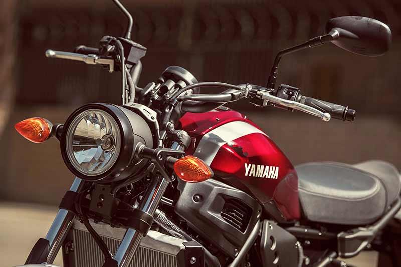 Yamaha-XSR700-2018-3