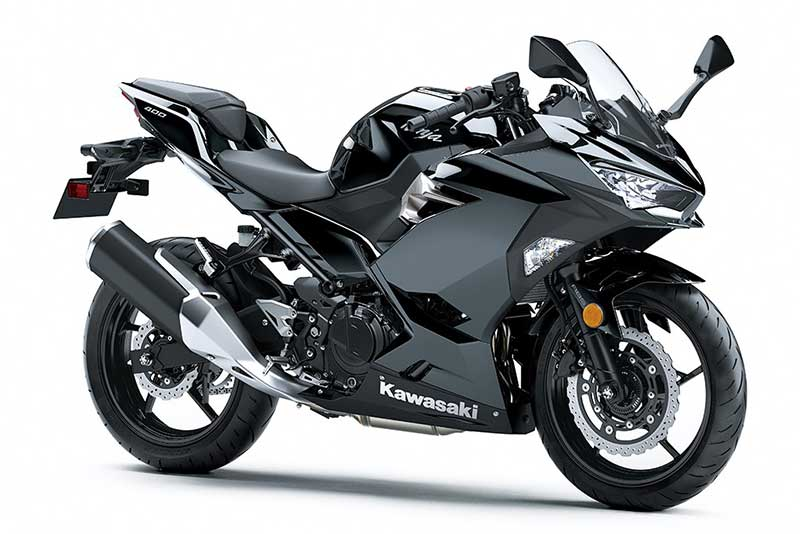 Kawasaki-Ninja-400-2018-2