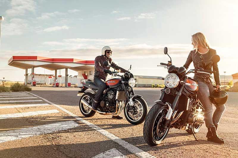 Kawasaki Z900RS 14 - เจาะรายละเอียด ชมรูป และวิดีโอ Kawasaki Z900RS 2018 ตำนานที่หวนกลับมาอีกครั้ง - ในที่สุดก็เผยโฉมอย่างเป็นทางการในงานโตเกียว มอเตอร์โชว์ ประเทศญี่ปุ่น Kawasaki Z900RS 2018 รถสไตส์เรทโทรที่แฝงจิตวิญญาณของ Z1 ในตำนาน ผสานการดีไซน์อันทันสมัยได้อย่างลงตัว