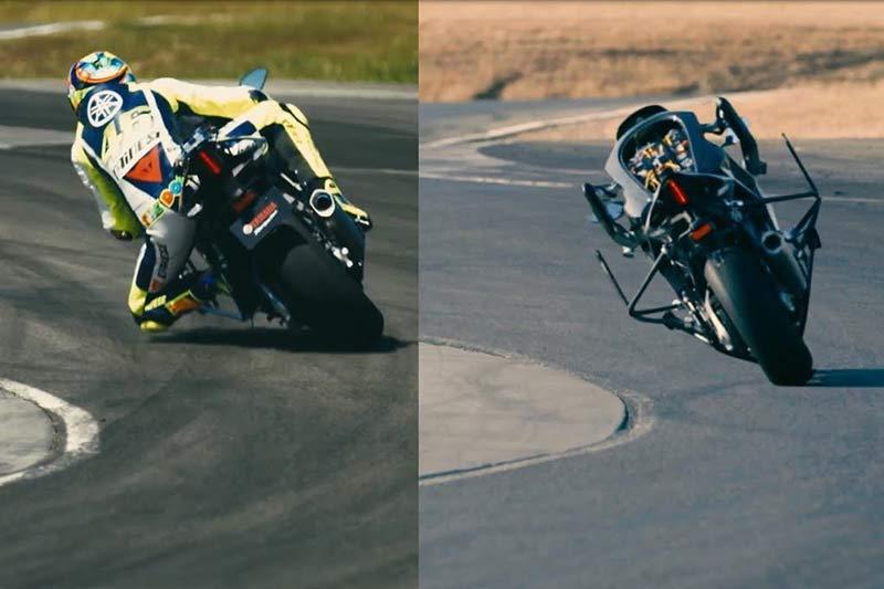 """Motobot version 2 vs Rossi 2 - ชม """"MOTOBOT"""" ซิ่งทางตรงทะลุ 200 กม./ชม. บิดดวลกับ """"รอสซี่"""" ในสนามทำเวลาห่าง 31.764 วินาที - เดินทางมาถึงเวอร์ชั่น 2 สำหรับ MOTOBOT เจ้าหุ่นยนต์อัจฉริยะที่สามารถขี่รถได้ด้วยตัวเอง โดยการใช้เทคโนโลยี AI เข้ามาควบคุม หลังจากเคยเห็นเวอร์ชั่นแรกในปี 2015 เจ้า MOTOBOT เวอร์ชั่น 2 ได้ปรับปรุง"""