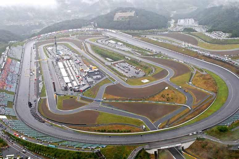 Twin Ring Motegi Japan - ตารางเวลาถ่ายทอดสด MotoGP สนามที่ 15 JapaneseGP พร้อมคลิปไฮไลท์ช็อตเด็ด วิเคราะห์การคว่ำ - ตารางเวลาถ่ายทอดสด MotoGP 2017 สนามที่ 15 สนามทวิน ริง โมเตกิ ประเทศญี่ปุ่น การแข่งขันเหลืออีกเพียง 4 สนาม ความเข้มข้นในการขับเคี่ยวเพื่อลุ้นแชมป์ประจำปีก็ขมวดปมเข้ามาทุกที แฟนๆสาวกของนักแข่งแต่ละคนก็ได้แต่คาดหวัง