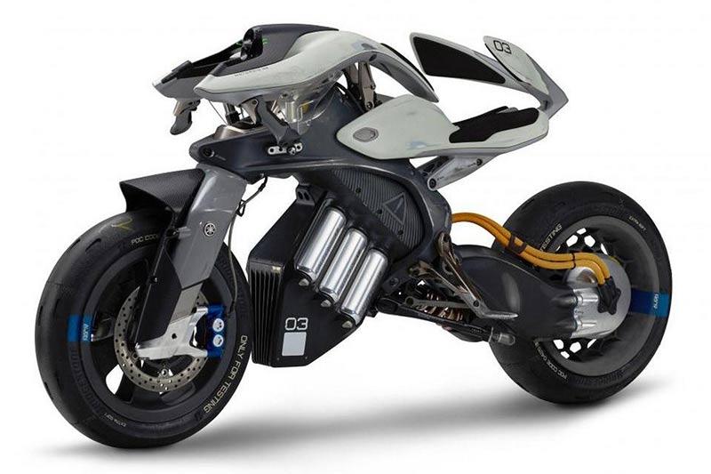 "Yamaha motoroid 1 - เปิดโผ 3 ไฮไลท์เด็ด รถคอนเซ็ปต์สุดล้ำจาก Yamaha ที่ขนมาในงานโตเกียวมอเตอร์โชว์ - งานโตเกียวมอเตอร์โชว์ ถือเป็นงานแสดงรถสุดยิ่งใหญ่ของญี่ปุ่น และมีชื่อเสียงขจรไกลระดับโลก ซึ่งในครั้งนี้เป็นครั้งที่ 45 ภายใต้แนวความคิด ""Beyond The Motor"" มีขึ้นระหว่างวันที่ 27 ตุลาคม - 5 พฤศจิกายน 2560"