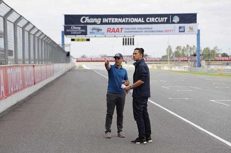 Dorna Check Chang Circuit 1 - ทีมงาน Dorna ตรวจเช็คสนามช้างฯ เตรียมลุย Winter Test 16-18 ก.พ. 61 พร้อมกิจกรรมภายในงาน - ผู้จัด MotoGP เดินทางตรวจเช็คความพร้อมของสนามช้างฯ ถึงการเตรียมพร้อมก่อนการทดสอบ Winter Test ในระหว่างวันที่ 16-18 กุมภาพันธ์ 2561