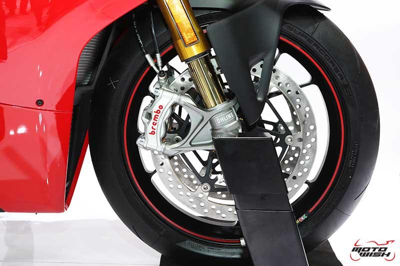 Ducati เผยโฉม Panigale V4 ครั้งแรกในไทย พร้อมเปิดราคาขายเริ่มต้น 949,000 บาท (Motor Expo 2017) | MOTOWISH 4