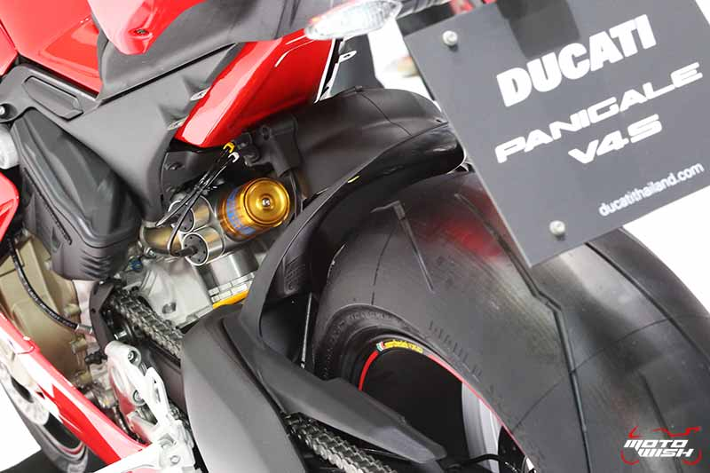 Ducati เผยโฉม Panigale V4 ครั้งแรกในไทย พร้อมเปิดราคาขายเริ่มต้น 949,000 บาท (Motor Expo 2017) | MOTOWISH 5