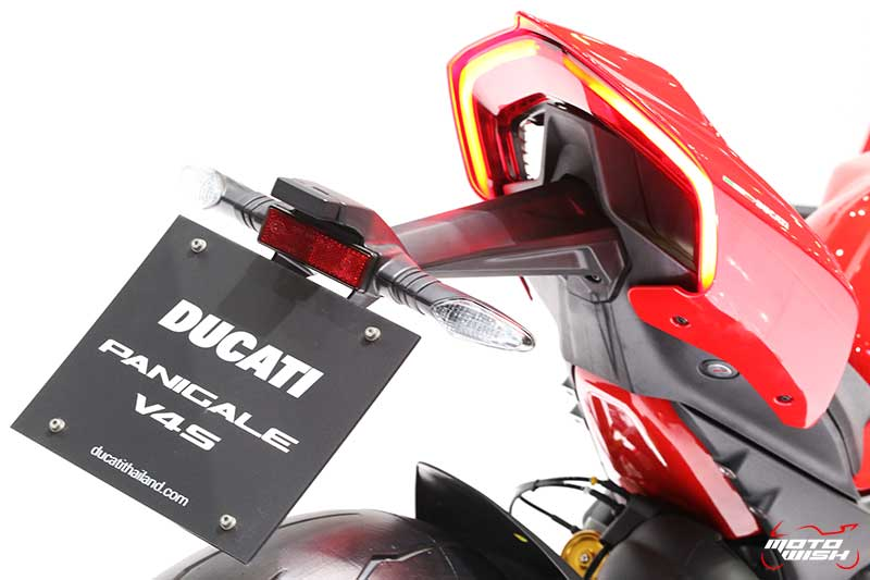 Ducati เผยโฉม Panigale V4 ครั้งแรกในไทย พร้อมเปิดราคาขายเริ่มต้น 949,000 บาท (Motor Expo 2017) | MOTOWISH 2