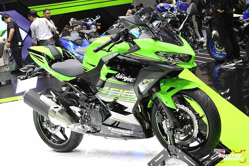 MotoWish-Motor-Expo-2017-Kawasaki-Ninja-400-Color-1