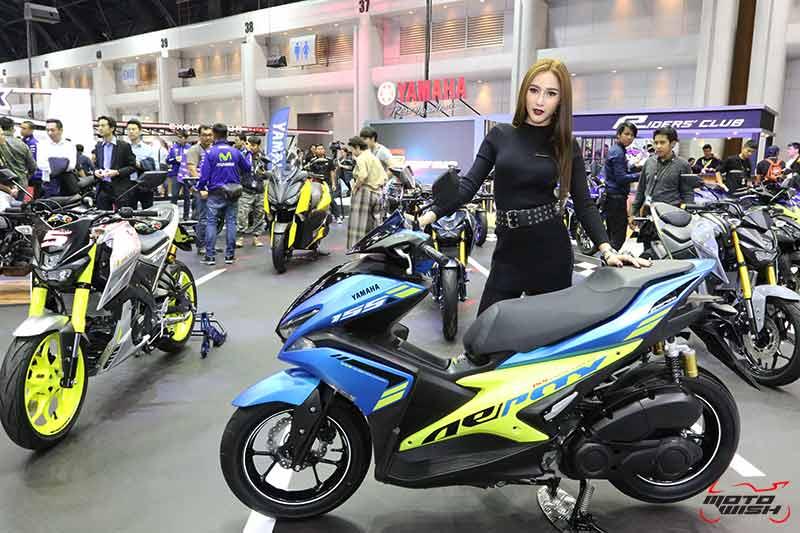 """MotoWish Motor Expo 2017 Yamaha Aerox Color - Yamaha เปิดตัวบิ๊กไบค์ใหม่ 2 รุ่น SCR950, XSR700 พร้อม M-SLAZ Limited Edition และ AEROX 155 สีใหม่ (Motor  Expo 2017) - ยามาฮ่าปลุกกระแสแห่งความเร้าใจครั้งใหม่ด้วยบูธแสดงภายใต้แนวคิด """"Yamaha Riders' Community"""" ยกทัพรถจักรยานยนต์หลากหลายรุ่นครบซีรีย์ให้สาวกยามาฮ่าได้สัมผัสกันอย่างเต็มพิกัด พร้อมดึง Johann Zarco"""