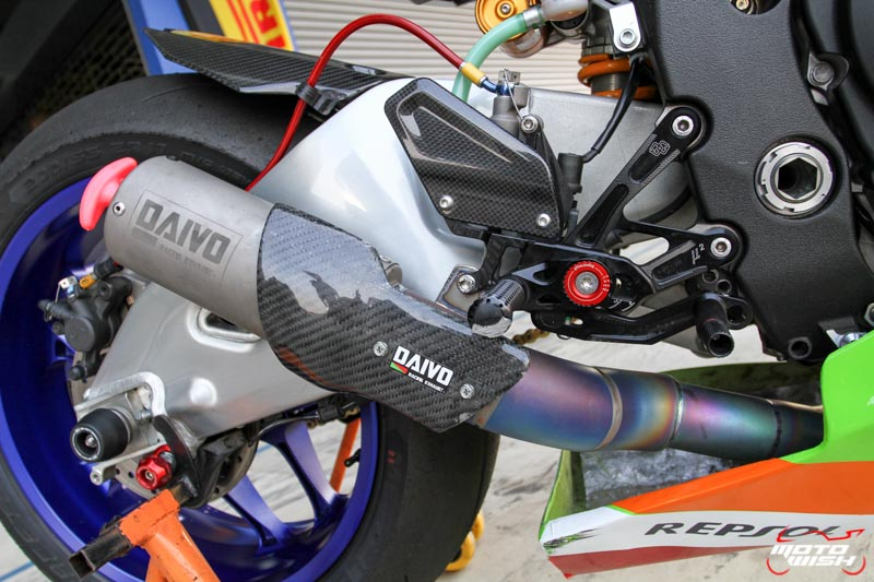 เจาะรถแข่ง Noi Daivo กับรถ Yamaha YZF-R1M ในศึก PTT BRIC Superbike 2017 สนามสุดท้าย | MOTOWISH 122