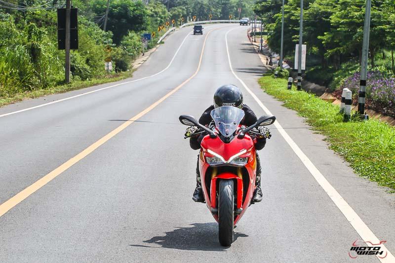 รีวิว Ducati Supersport S 2017 สปอร์ตไบค์ฟังก์ชั่นทัวร์ริ่ง ฟิลลิ่งสุดเร้าใจ   MOTOWISH 50