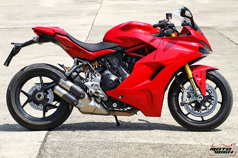 MotoWish-Review-Ducati-Supersport-S-2017-24