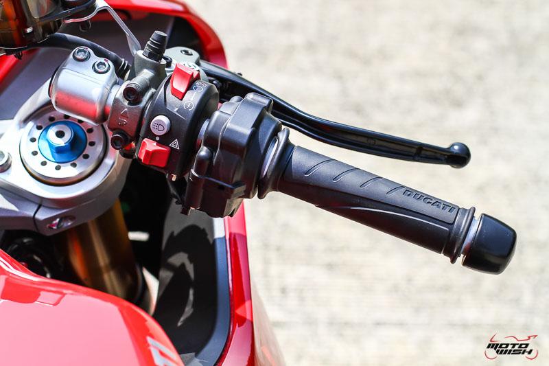 รีวิว Ducati Supersport S 2017 สปอร์ตไบค์ฟังก์ชั่นทัวร์ริ่ง ฟิลลิ่งสุดเร้าใจ   MOTOWISH 75