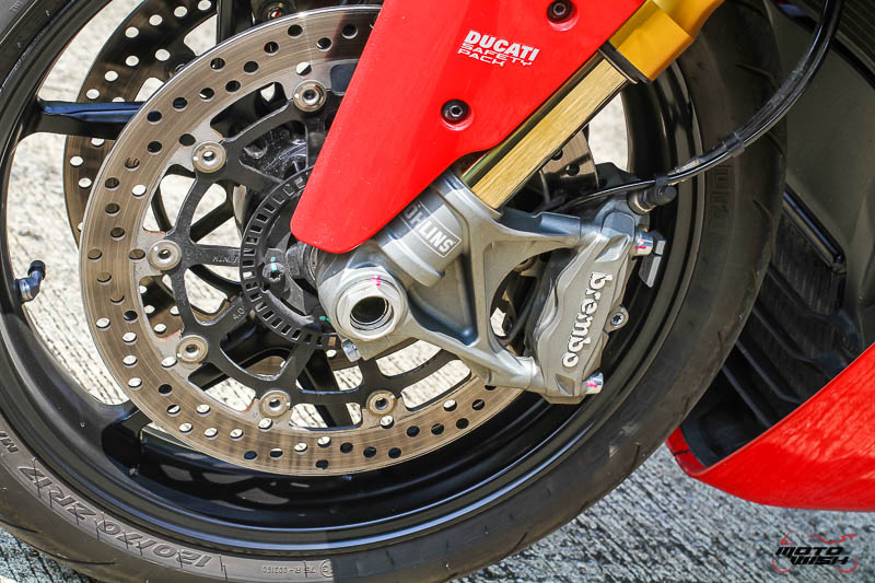 MotoWish-Review-Ducati-Supersport-S-2017-35