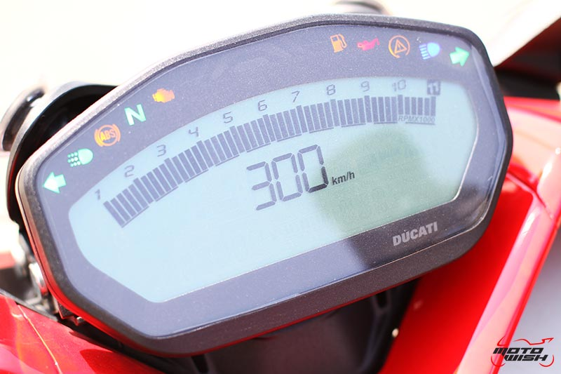 MotoWish-Review-Ducati-Supersport-S-2017-Dashboard