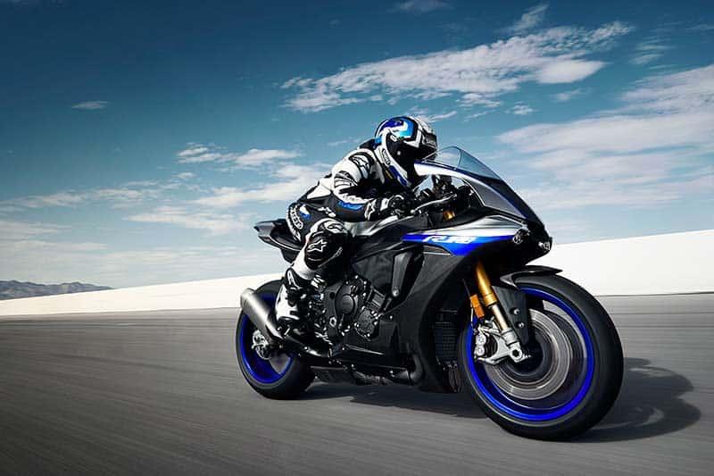 Yamaha R1 & R1M 2018 อัพเกรดออฟชั่น ยกระดับความมันส์ในการขับขี่ | MOTOWISH 50