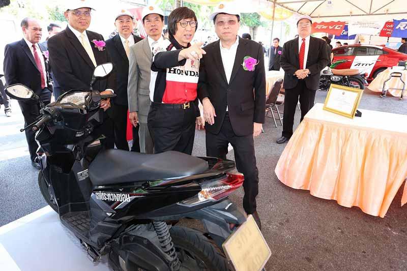 เอ.พี. ฮอนด้า มอบความสุขรับปีใหม่ ตรวจเช็ครถฟรี พร้อมมอบน้ำมันเครื่องกว่า 600,000 บาท   MOTOWISH 50
