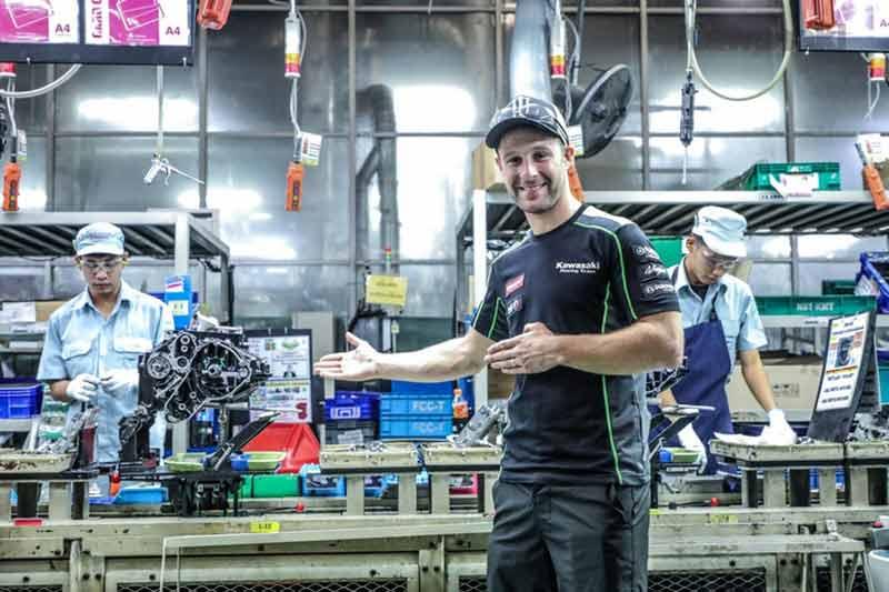 MotoWish-Jonathan-Rea-Ninja-400-Kawasaki-Thailand-Factory-Rayong-1