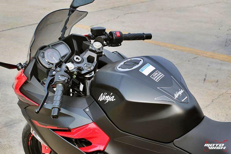 MotoWish Kawasaki-Ninja-400 (10)