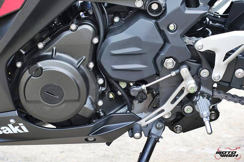 MotoWish Kawasaki-Ninja-400 (11)