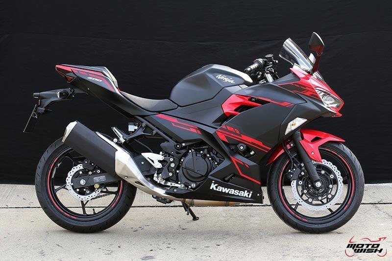 MotoWish Kawasaki-Ninja-400 (12)