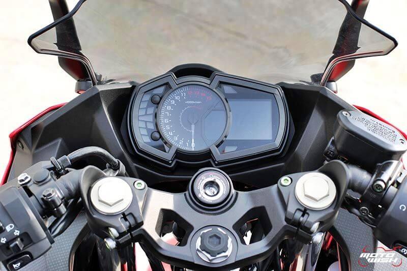 MotoWish Kawasaki-Ninja-400 (13)