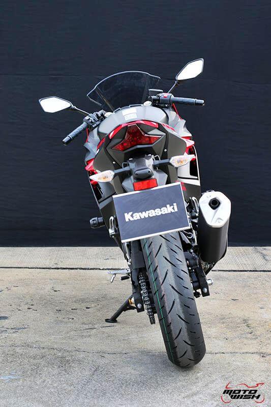 MotoWish Kawasaki-Ninja-400 (21)