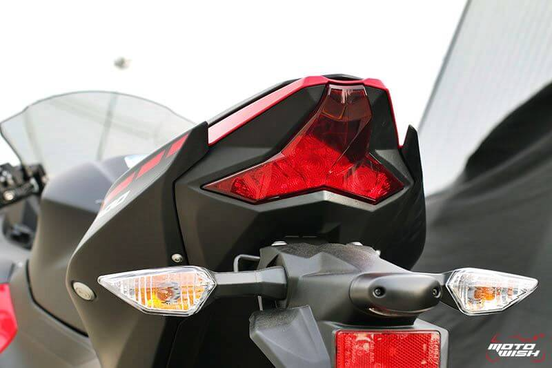 MotoWish Kawasaki-Ninja-400 (8)