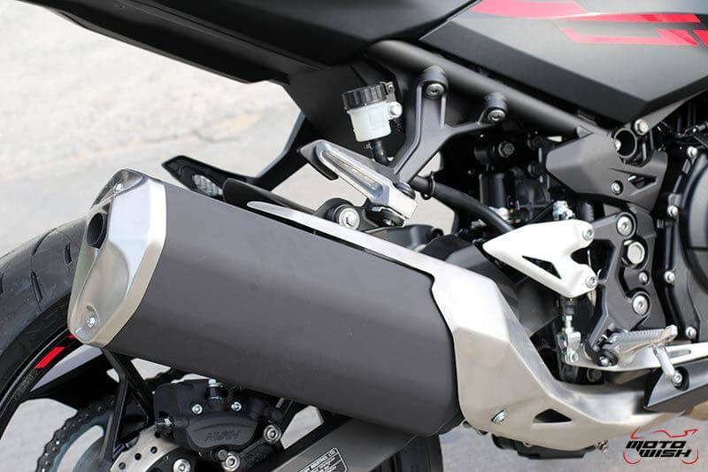MotoWish Kawasaki-Ninja-400 (9)